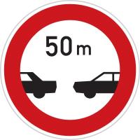 Dopravní značka: B 34 Nejmenší vzdálenost mezi vozidly