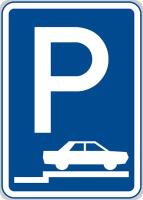 Dopravní značka: IP 11d Parkoviště (stání na chodníku kolmé nebo šikmé)
