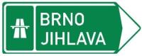 Dopravní značka: IS 1c Směrová tabule pro příjezd k dálnici (vpravo)