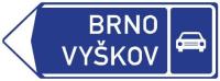 Dopravní značka: IS 2b Směrová tabule pro příjezd k silnici pro motorová vozidla (vlevo)