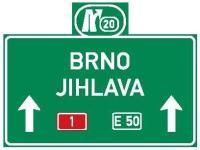 Dopravní značka: IS 6e Směrová návěst pro směr přímo