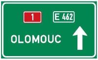 Dopravní značka: IS 8a Dálková návěst s šipkou
