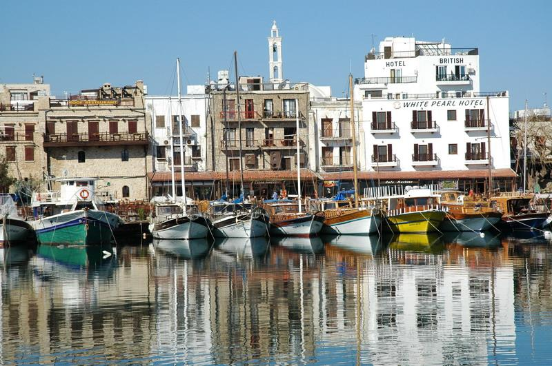 Foto: Kypr-North.Cyprus.Girne Harbor