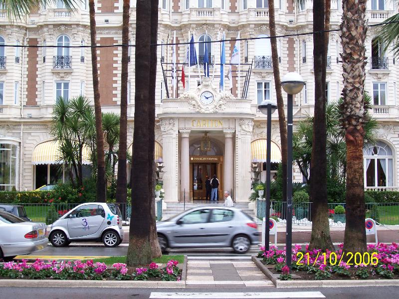 Foto: Cannes-Vchod do hotelu Carlton v Cannes