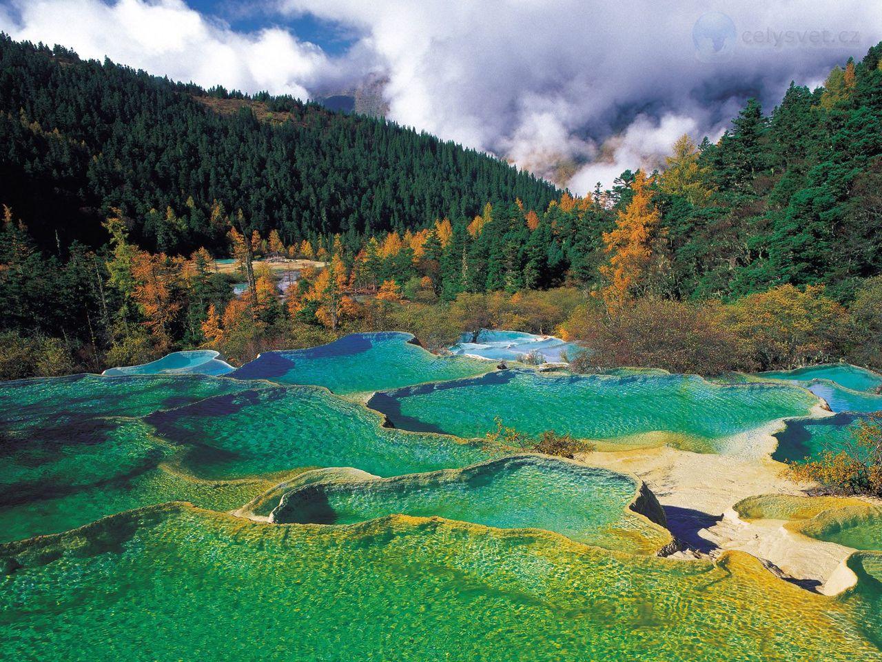 Huanglong přírodní rezervací, sichuan, čína / huanglong natural